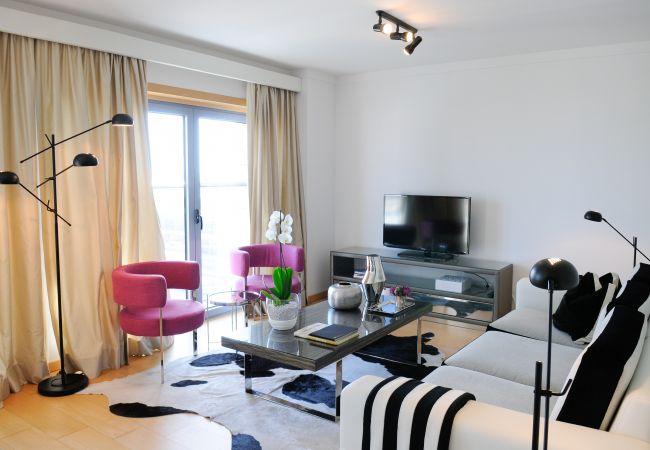 Apartamento em Lisbon - Apartamento T2 Vista Rio | Panoramic Living