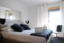 Apartment in Lisbon - One Bedroom Apartment   Long Stays