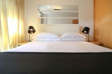 Apartment in Lisbon - Two Bedroom Apartment | Long Stays
