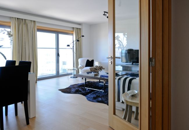 Apartment in Lisboa - Three Bedroom Apartment with City View | Panoramic Living