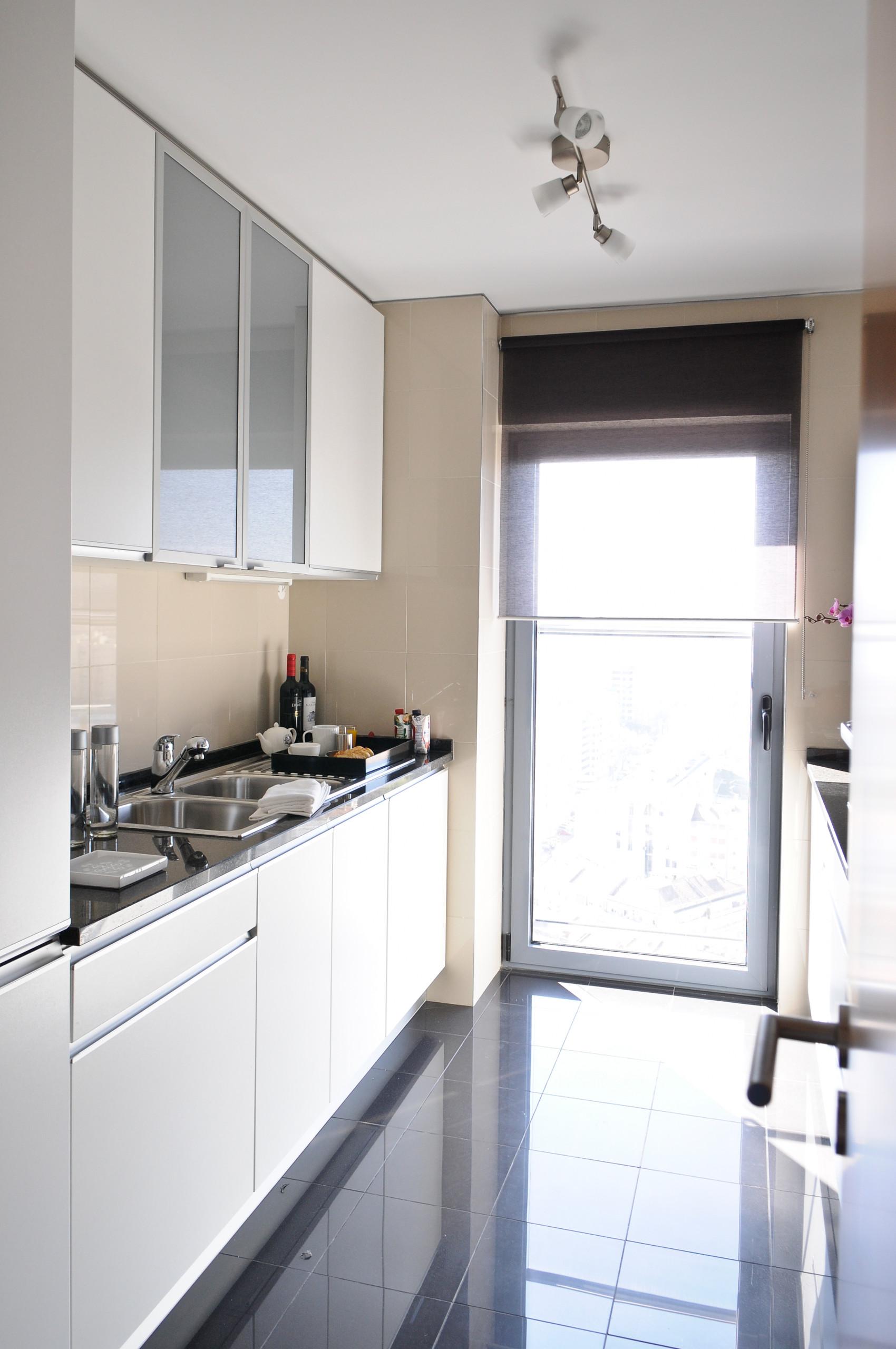 Apartamentos en lisboa apartamento de 2 dormitorios con for Alojamiento estancia 25m2
